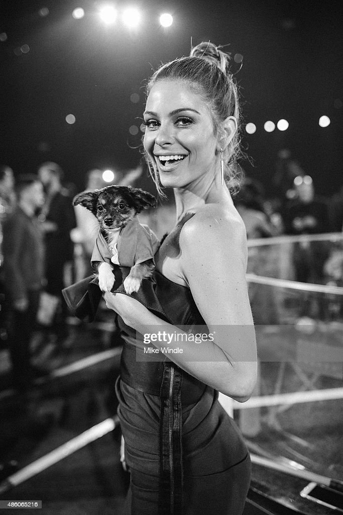 Maria Menounos attends the 2015 MTV Video Music Awards at Microsoft Theater on August 30, 2015 in Los Angeles, California.
