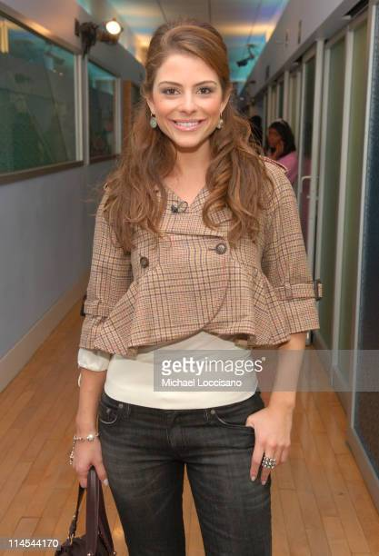 Maria Menounos during JoJo and Sean 'Diddy' Combs Visit MTV's 'TRL' October 17 2006 at MTV Studios Times Square in New York City New York United...