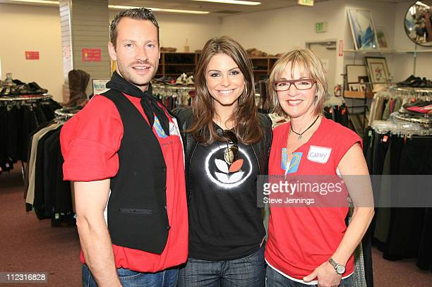 Maria Menounos with Out Of The Closet store employees Benoit Tordeur and Cathy Unruh