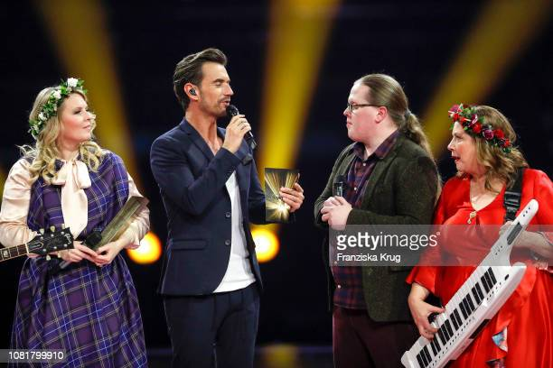 Maria Patricia Kelly Florian Silbereisen Angelo Kelly and Kathy Ann Kelly during the television show 'Schlagerchampions Das grosse Fest der Besten'...