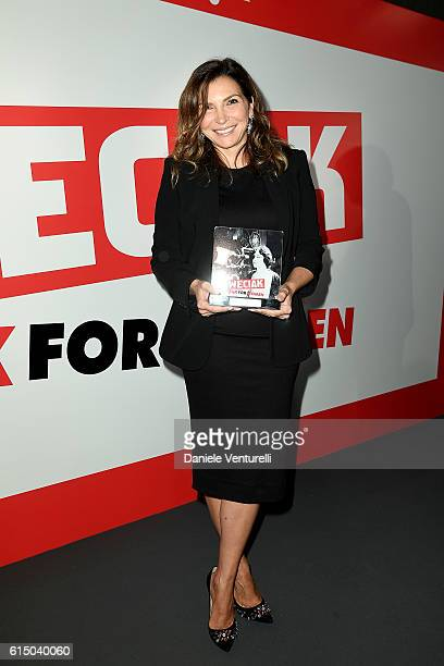 Maria Pia Calzone poses with the award during the Ciak For Women 2016 on October 16 2016 in Rome Italy
