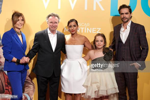 Maria Ripoll Oscar Martinez Mafalda Carbonell Inma Cuesta and Nacho Lopez attends the 'Vivir dos veces' premiere at Capitol Cinema in Madrid Spain on...