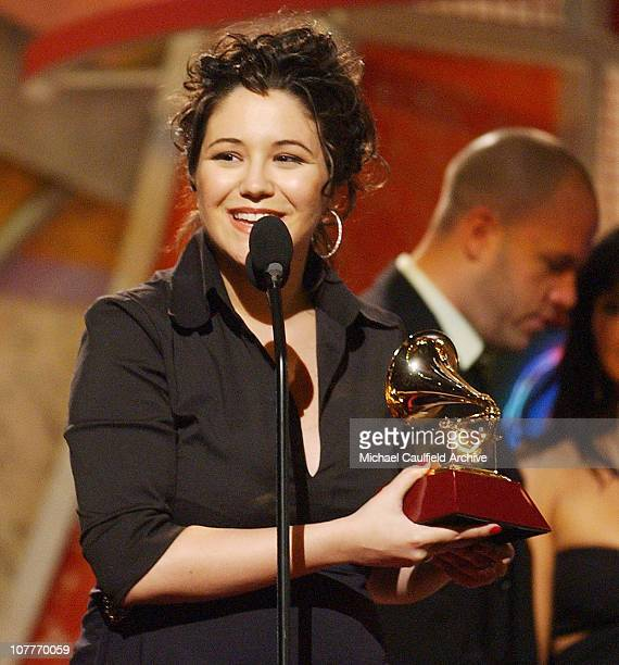Maria Rita accepts the award for Best Musica Popular Brasileira album