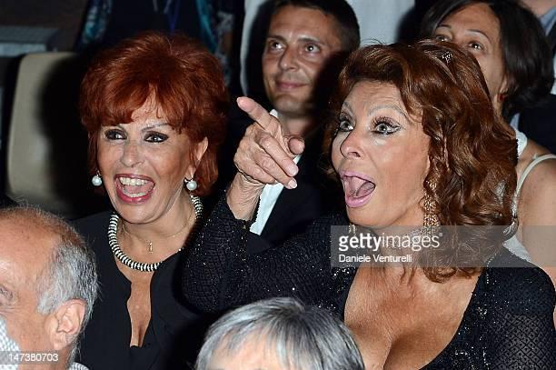 Matrimonio Romano Mussolini E Maria Scicolone : Maria scicolone foto e immagini stock getty images