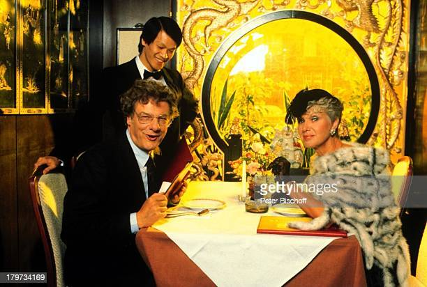 Maria Sebaldt Herbert Bötticher ZDFSerie Zwei wie Duund ich Episode Stille Wasser Restaurant China chinesisches Essen Schauspieler Schauspielerin...