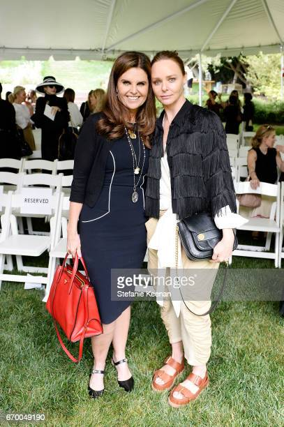 Maria Shriver and Stella McCartney attend the annual H.E.A.R.T. Brunch featuring Stella McCartney on April 18, 2017 in Los Angeles, California.