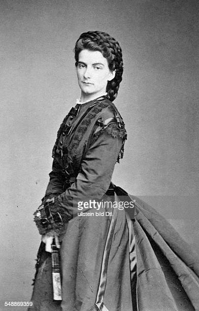 Maria Sophie of Bavaria, Duchess in Bavaria *04.10.1841-+ Last Queen consort of the Kingdom of the Two Sicilies - Portrait - undated, about 1870 -...