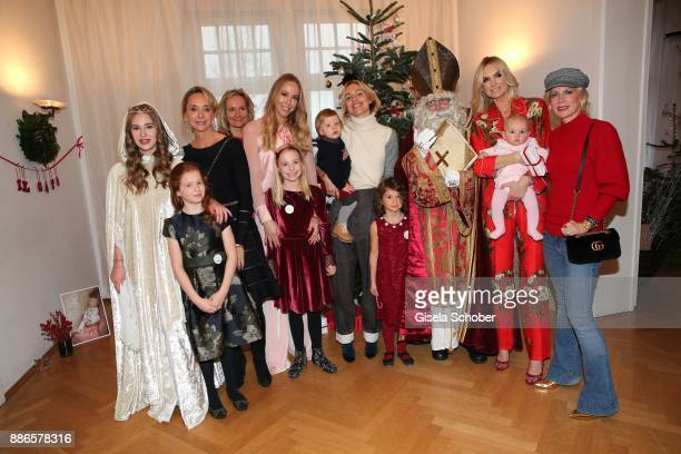 Maria Sottor Nicki'scom and her daughter Victoria Ulrike Ehrlich Sylvia Walker and her daughter Mara Viktoria Rader and her son Matteo Vanessa Cush...