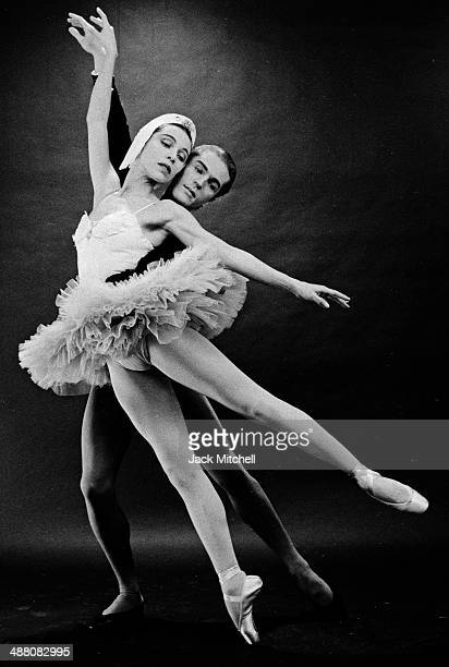 Maria Tallchief and Erik Bruhn performing 'Swan Lake' in December 1959