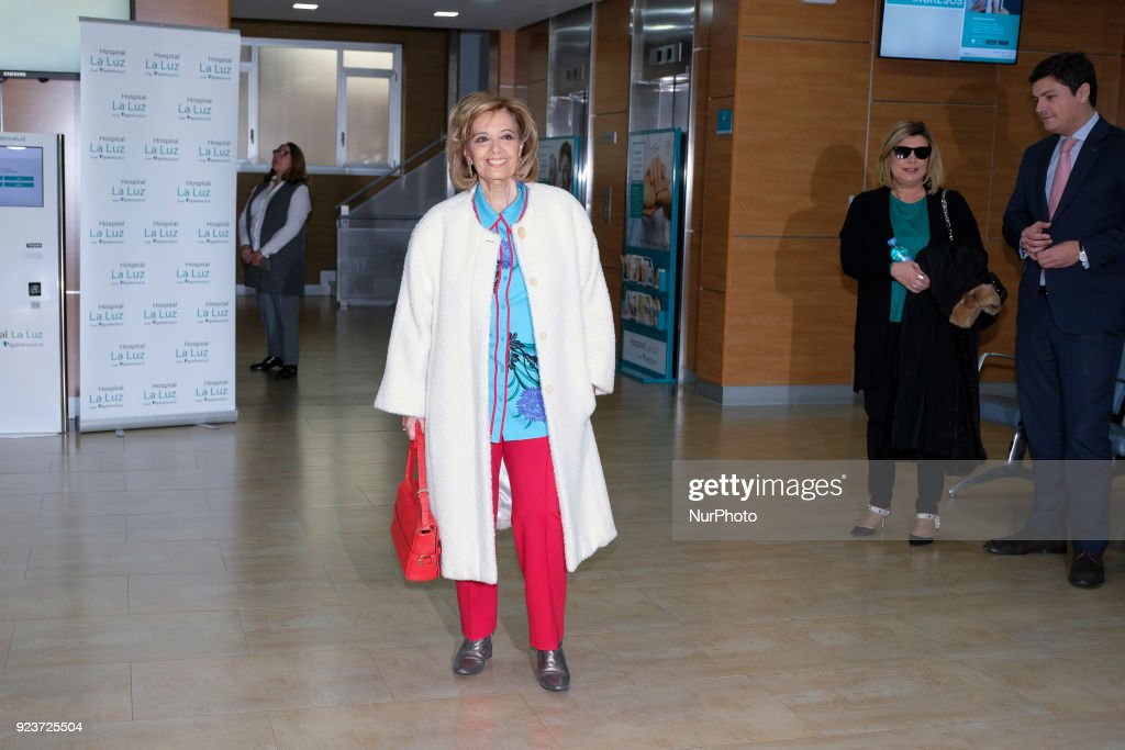 Maria Teresa Campos lefts the hospital
