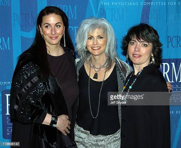 Maria Verel Emmylou Harris and daughter Hallie Slocum