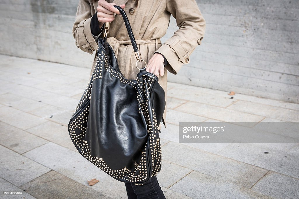 Maria wears Senty trousers and Massimo Dutti coat on January 22, 2017 in Madrid, Spain.