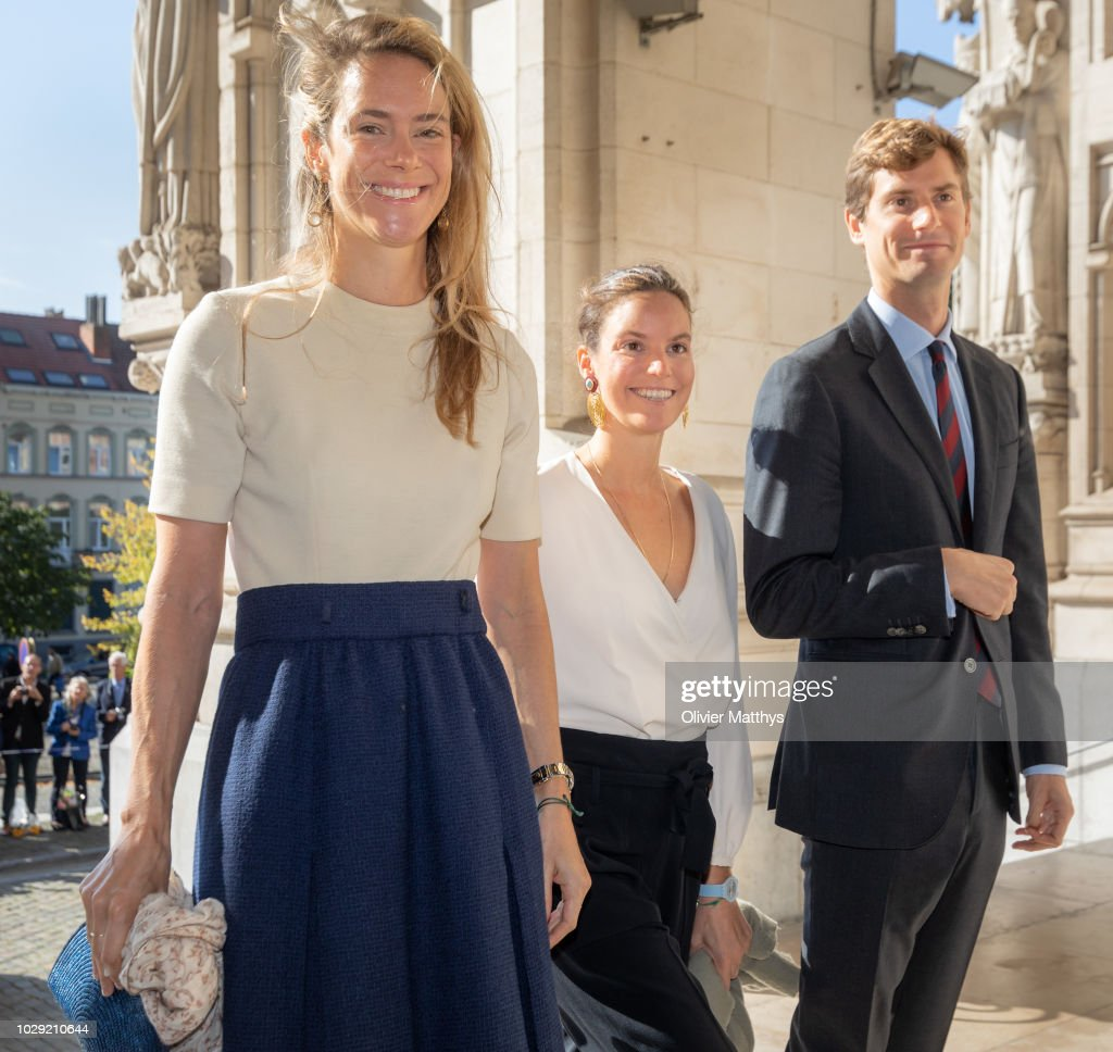 Belgium Royal Family Attends A Mass To Remember The 25th anniversary Of Late King Baudouin At Notre Dame Church In Laeken : ニュース写真
