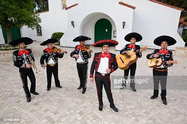 banda mariachi - mariachi fotografías e imágenes de stock