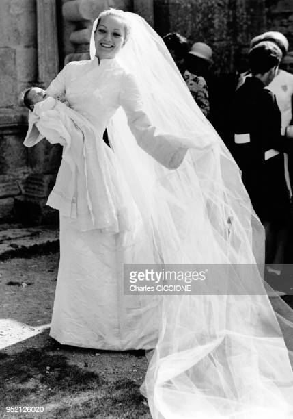 Mariage de Marie Mestrallet et Henri Dasse et baptême d'Eric Mestrallet neveu et filleul de Marie Mestrallet au prieuré NotreDame à Ganagobie France...