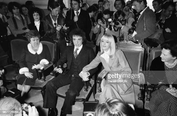 Mariage de Michel Sardou et Babette à NeuillysurSeine le 14 octobre 1977 France