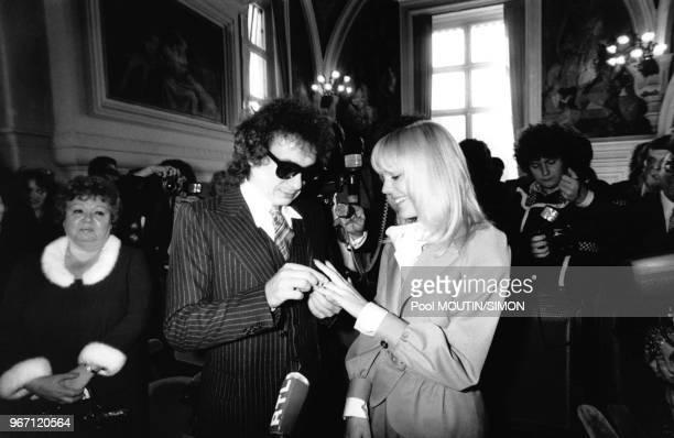 Mariage de Michel Sardou et Elizabeth Haas dit 'Babette' le 14 octobre 1977 à Paris France