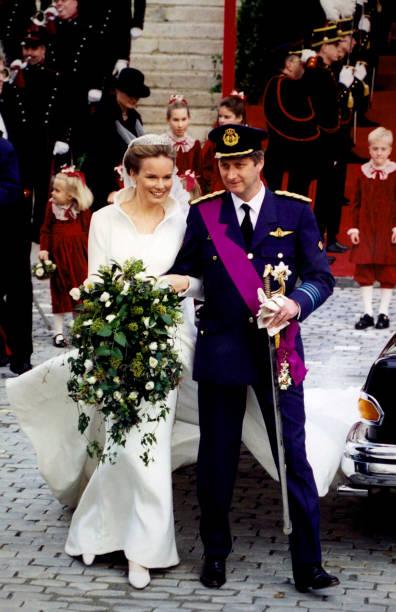 mariage-de-philippe-de-belgique-et-mathilde-dudekem-dacoz-le-4-1999-picture-id956711544