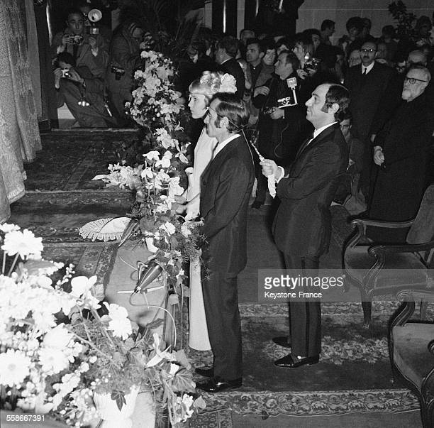 Mariage religieux du chanteur Charles Aznavour avec Ulla Thorsell en l'église arménienne de la rue Jean Goujon à Paris France le 12 janvier 1968