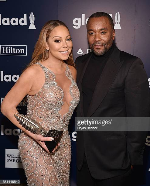 Mariah Carey and Lee Daniels pose backstage with an award at the 27th Annual GLAAD Media Awards in New York on May 14, 2016 in New York City.