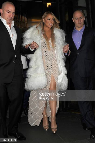 Mariah Carey gets on a boat on her way to the O2 for her London gig on March 23 2016 in London England