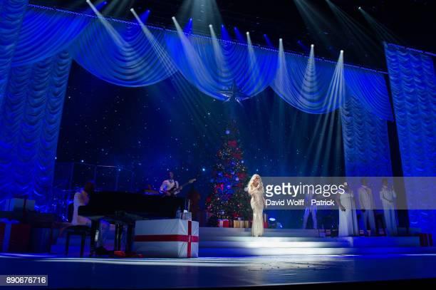 Mariah Carey performs at AccorHotels Arena on December 9 2017 in Paris France