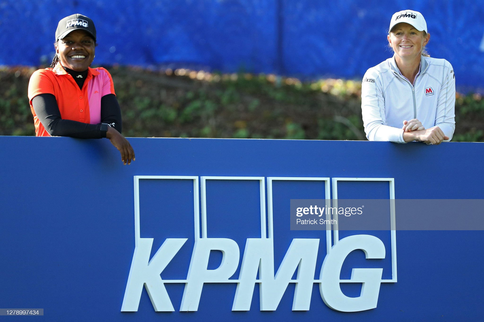 https://media.gettyimages.com/photos/mariah-stackhouse-of-the-united-states-and-stacy-lewis-pose-for-a-on-picture-id1278997434?s=2048x2048