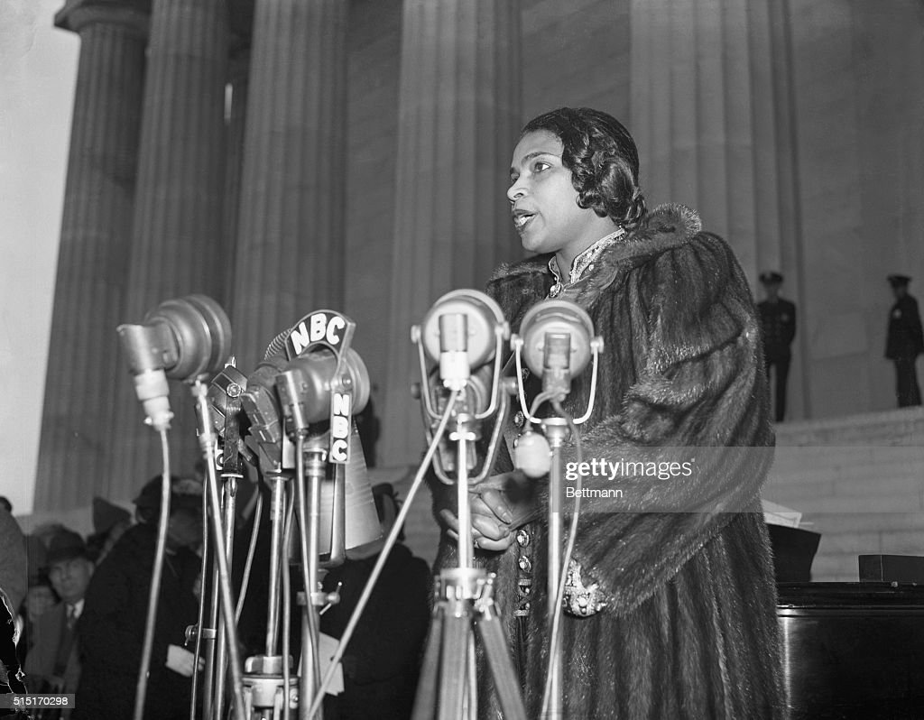 Marian Anderson singing on the steps of the Lincoln Memorial at the Easter Sunday Open Air concert.