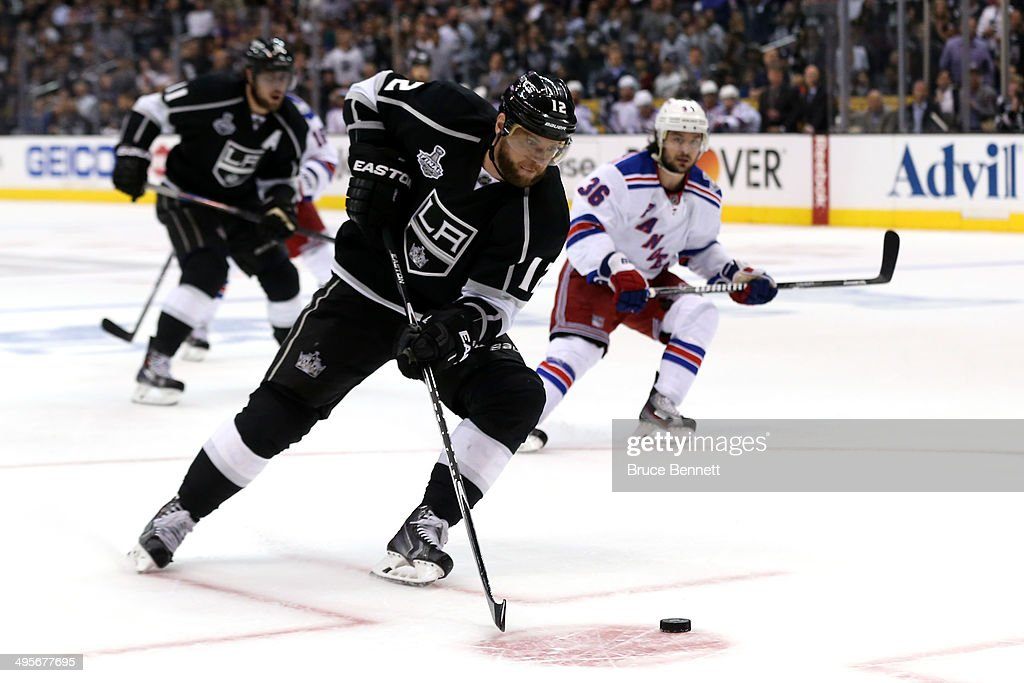 2014 NHL Stanley Cup Final - Game One : News Photo
