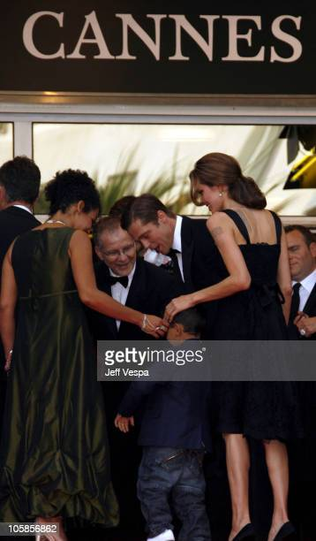 Mariane Pearl with her son Adam, Angelina Jolie and Brad Pitt