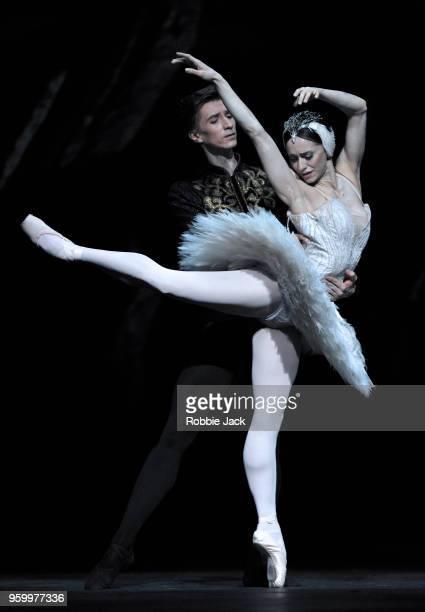 Marianela Nunez as Odette/Odile and Vadim Muntagirov as Prince Siegfried in Liam Scarlett's adaptation of Marius Petipa and Lev Ivanov's Swan Lake at...