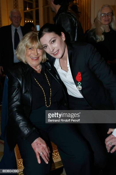 Marianne Faithfull and MarieAgnes Gillot attend MarieAgnes Gillot is decorated Chevalier de lordre national de la Legion d'Honneur at Ministere de la...