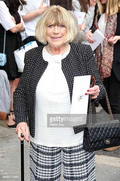 Marianne Faithfull arrives at the Chanel Haute Couture Fall/Winter 20162017 show as part of Paris Fashion Week on July 5 2016 in Paris France