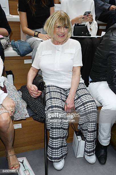 Marianne Faithfull attends the Chanel Haute Couture Fall/Winter 20162017 show as part of Paris Fashion Week on July 5 2016 in Paris France