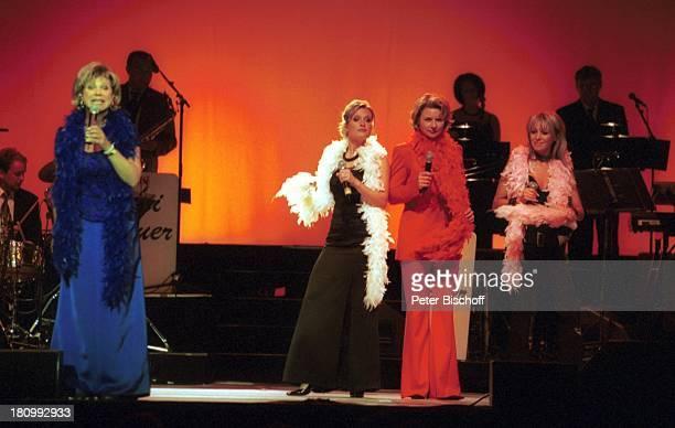 Marianne Hartl Bianca App Mitglied bei Die Schäfer Angela Wiedl Rosanna Rocci Tournee Lustige Musikanten Bremer Stadthalle Bremen Konzert Bühne...