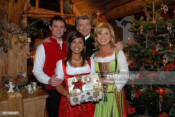 Marianne Hartl Ehemann Michael Belsy Demetz Lebensgefährte Florian ZDFMusikShowWeihnachten mit Marianne Michael Ellmau Tirol Österreich...