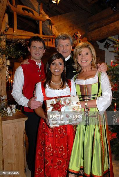 """Marianne Hartl , Lebensgefährte Michael , Belsy Demetz , Ehemann Florian , ZDF-Musik-Show-""""Weihnachten mit Marianne & Michael"""", Ellmau, Tirol,..."""