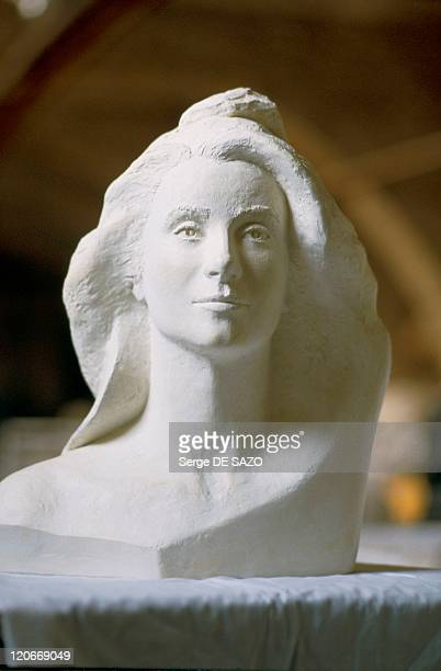 Marianne In 1986 Bust of Catherine Deneuve directed by Marielle Polska