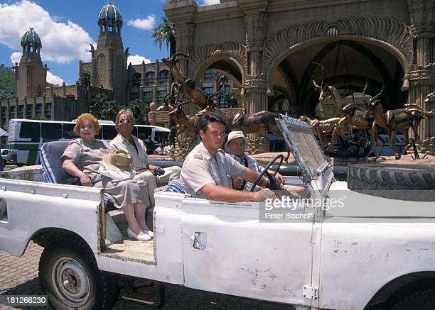 Marianne Kiefer Thomas Fritsch Christian Ebel einheimischer Wildhueter PRO 7 Serie 'Glueckliche Reise ' Folge 18 'Sun City' 'The Lost City'/SüdAfrika...