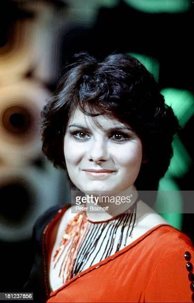 Marianne Rosenberg Vorentscheid zum Grand Prix de Eurovision 1975 ein Lied für Stockholm Auftritt Bühne Sängerin Promis Prominente Prominenter