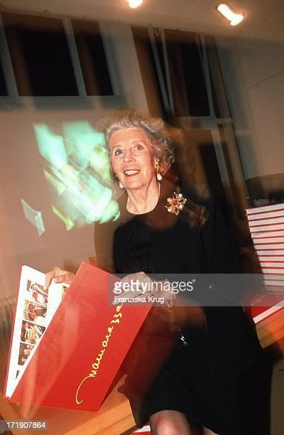 Marianne Von Sayn Wittgenstein Eröffnet Ausstellung .