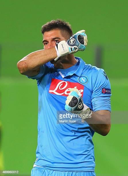 Mariano Andujar of Napoli celebrates as Manolo Gabbiadini scores their third goal during the UEFA Europa League Quarter Final first leg match between...