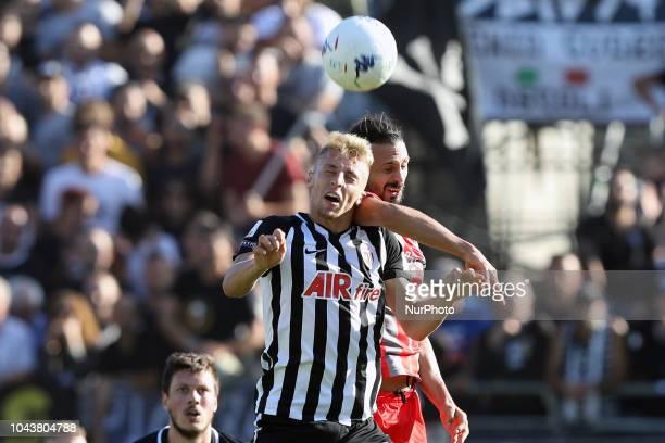 Mariano Arini US Cremonese battle with Davide Frattesi of Ascoli Calcio 1898 FC during the Italian Serie B 2018/2019 match between Ascoli Calcio 1898...