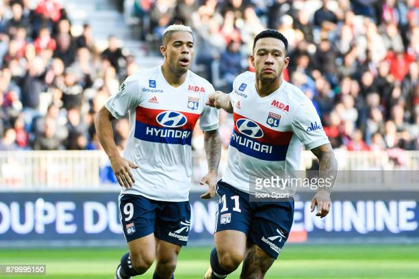 Mariano Diaz and Menphis Depay of Lyon during the Ligue 1 match between OGC Nice and Olympique Lyonnais at Allianz Riviera on November 26 2017 in Nice