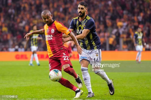 Mariano Ferreira Filho of Galatasaray AS, Tolga Cigerci of Fenerbahce SK during the Turkish Spor Toto Super Lig match between Galatasaray SK and...