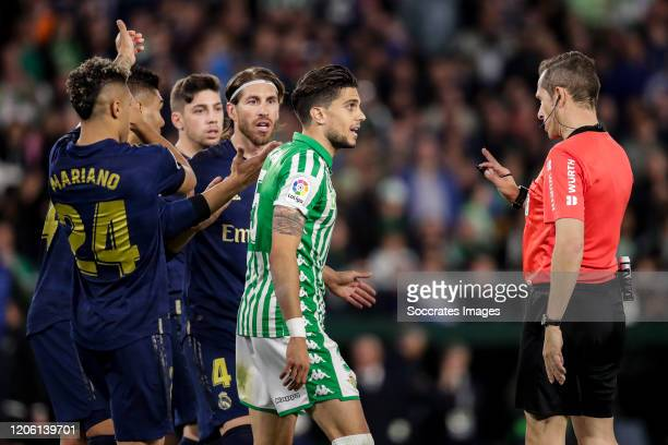Mariano of Real Madrid Casemiro of Real Madrid Fede Valverde of Real Madrid Sergio Ramos of Real Madrid Marc Bartra of Real Betis referee Gonzalez...
