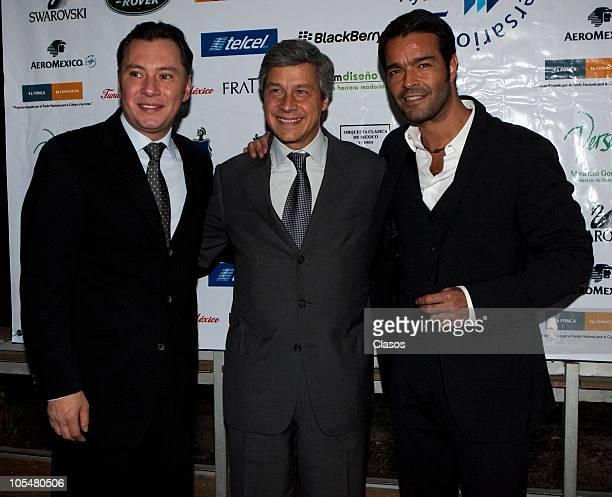 Mariano Osorio, Claudio Gonzalez and Pablo Montero attend a press conference on the 25 years of the charity foundation Solo Por Ayudar at Bosque de...