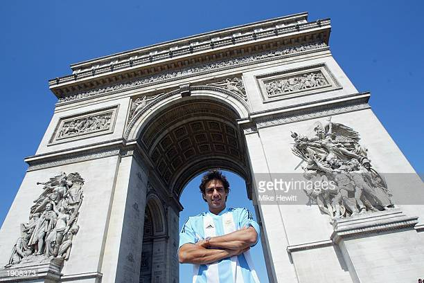 Mariano Zabaleta of Argentina at the Arc de Triomphe during the French Open held on June 1 2002 at Roland Garros in Paris France