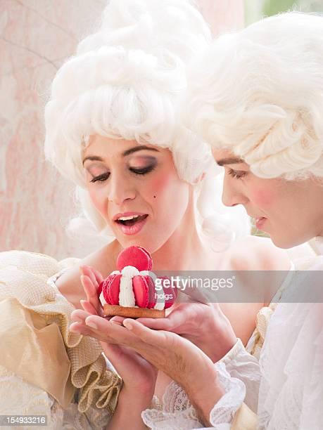 Marie Antoinette donné par un gâteau suitor