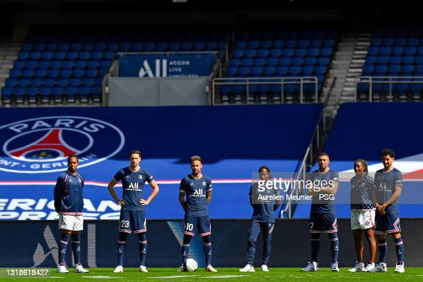 Marie Antoinette Katoto, Julian Draxler, Neymar Jr, Formiga, Kylian Mbappe, Kadidiatou diani and Marquinhos look on as the Paris Saint-Germain...